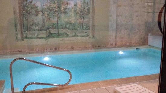 Hotel Castel Jeanson : Pool
