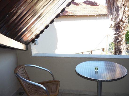 Binlik Hotel: Balcony