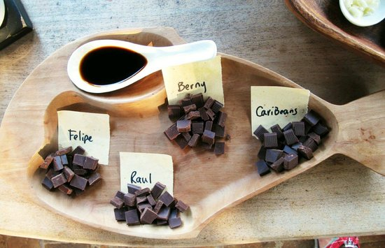 Caribeans Coffee & Chocolate : chocolate nibbles with vanilla bean extract