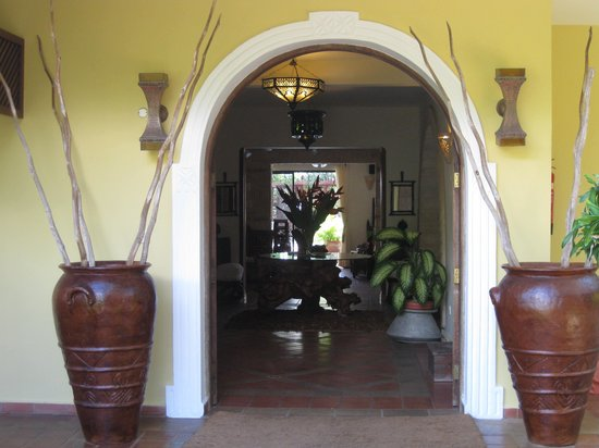 AfroChic Diani: The doors to paradise