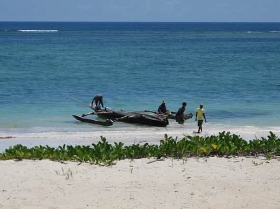 AfroChic Diani : Going fishing