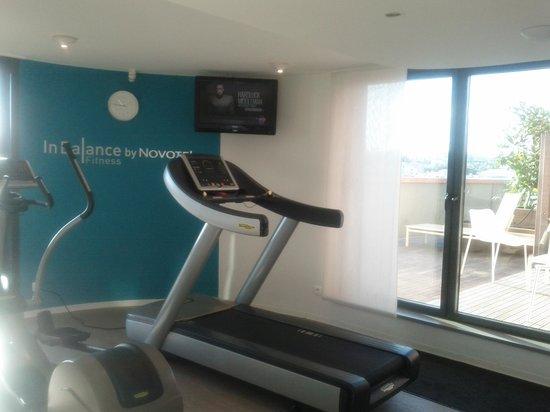 Novotel Suites Paris Issy les Moulineaux: Salle fitness + accès terrasse
