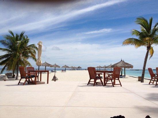 Veligandu Island Resort & Spa: View from thundi bar