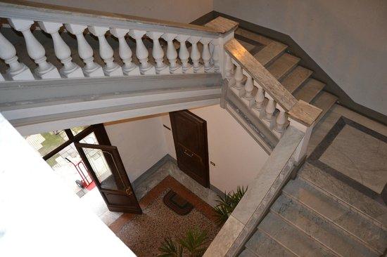 Hotel Gea di Vulcano: The stairs