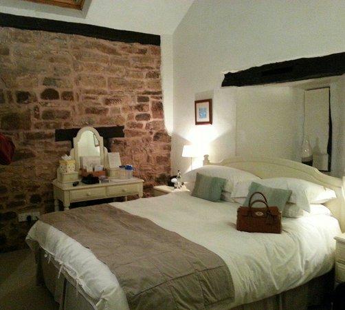 Tudor Farmhouse Hotel: Room 17