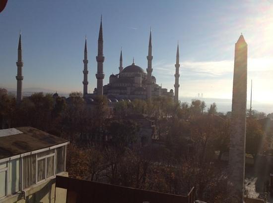 Alzer Hotel : vista dalla sala colazioni....