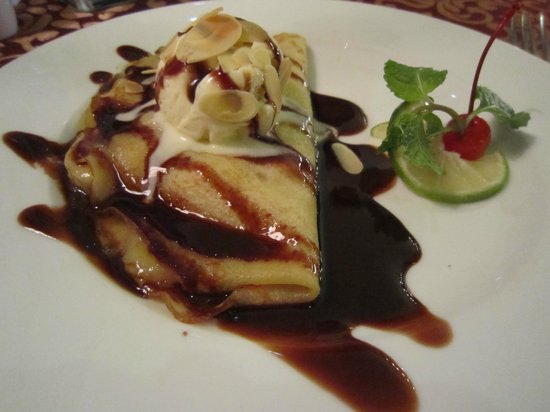 Essence Hanoi Hotel & Spa: Gorgeous crepes at the Essence Hanoi Hotel