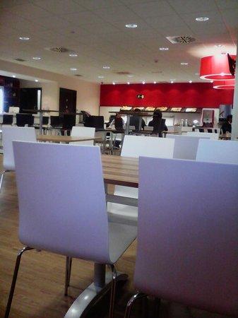 Travelodge Madrid Alcala: hall dell'albergo