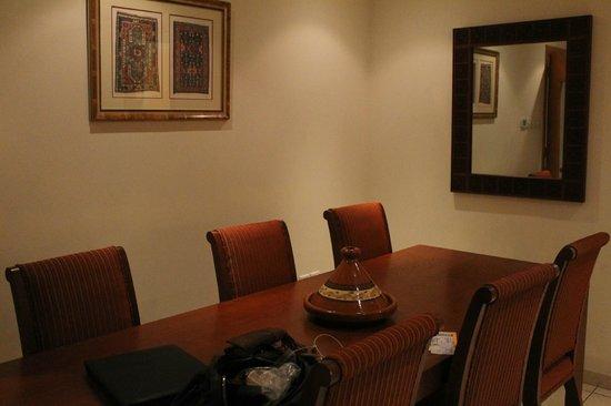 Tamani Hotel Marina : Salle à manger