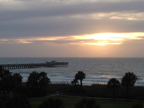 DoubleTree Resort by Hilton Myrtle Beach Oceanfront: The view from our room showing the beautiful pier