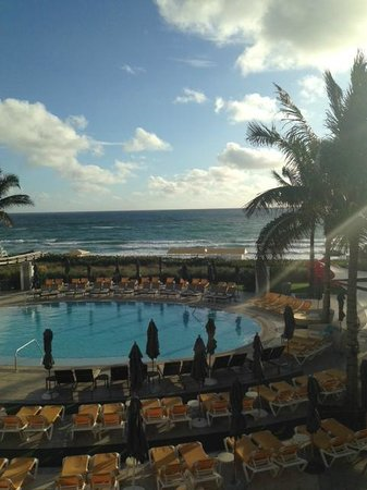 Boca Beach Club, A Waldorf Astoria Resort: View of pool & ocean
