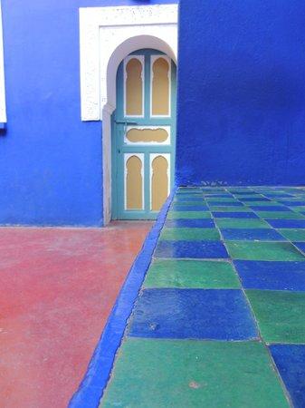 Riad Dar Oulhoum : les couleurs du jardin Majorelle