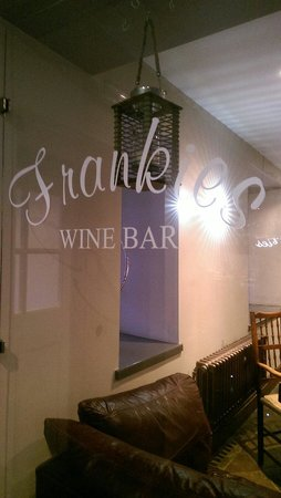 Frankies Wine Bar: Frankies