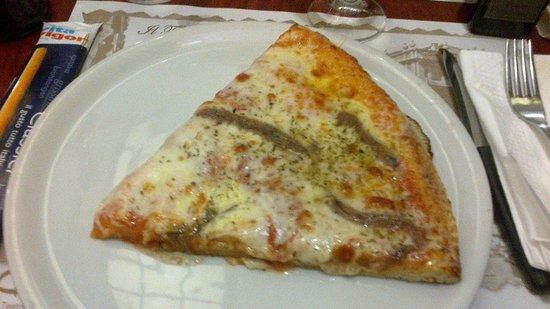 Antica Pizzeria Da Giulio: Trancio pizza napoletana