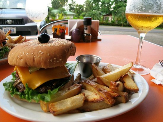 Delicatessen: cheeseburger and fries FTW