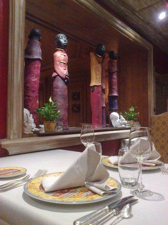 Hostellerie des Châteaux & Spa : détail salle à manger
