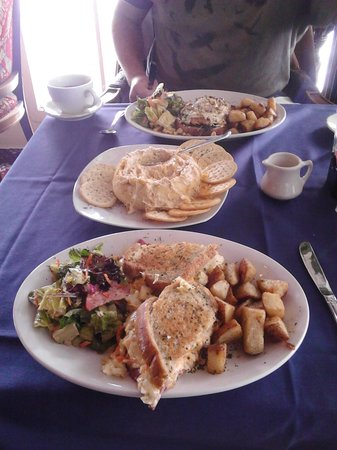 Cornish Manor Restaurant: More than enough for two