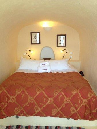 Esperas: Our cave bed