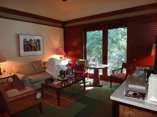 Four Seasons Resort Costa Rica at Peninsula Papagayo: Living Room  1 bdrm Canopy Suite