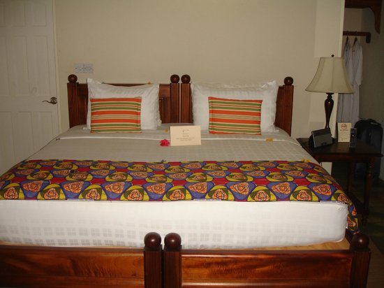 Rosalie Bay Resort: Inside the room on arrival to hotel