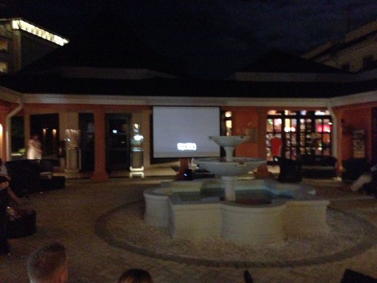 Secrets Wild Orchid Montego Bay: Every night Secrets show a movie at 7:30pm to chill and relax ... So nice