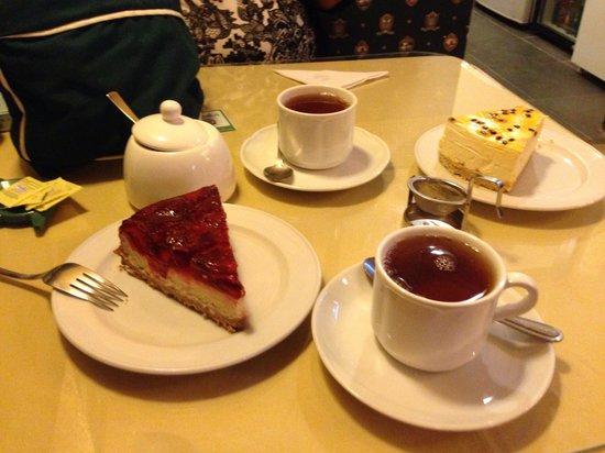 The Tea Pot : Cheesecake de maracuya y frutilla, earl grey blue star