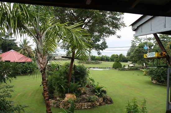 La Casa De Don David: great location on Lake Petan Itza