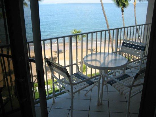 The Hale Pau Hana : Our Balcony