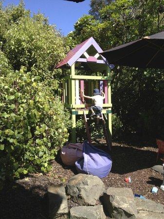 Hot Waves Cafe: Toddler Paradise!