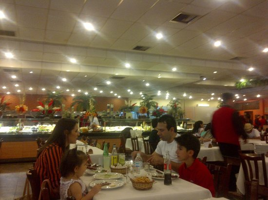 Paulista Grill : Otra del salón y las guarnituras