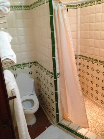 Hotel Colonial: clean, great tilework