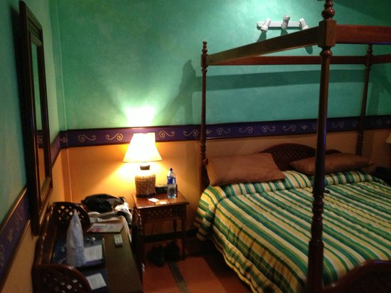 Hotel Colonial : Clean and colorful