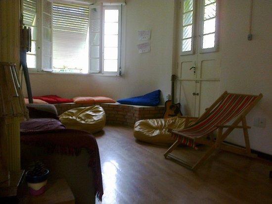 Porto Alegre Eco Hostel: Sala compartilhada