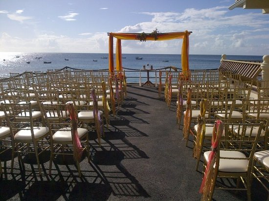 Naturalist Beach Resort: Great wedding venue @ the Naturalist