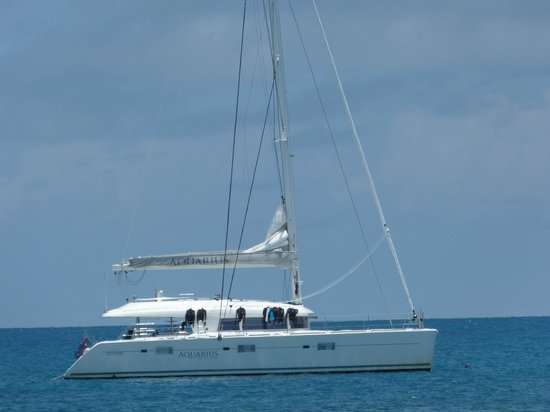 Aquarius - Sail & Snorkel
