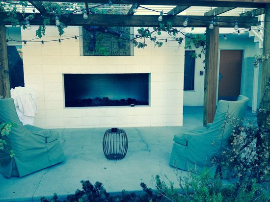 Ace Hotel and Swim Club: Our outside sitting area and fireplace