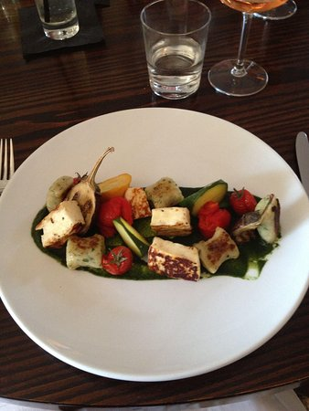 24 St Georges: Vegetarian Option. YUM!