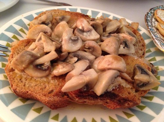 Me and Mrs Fisher: Yummy mushroom on toast