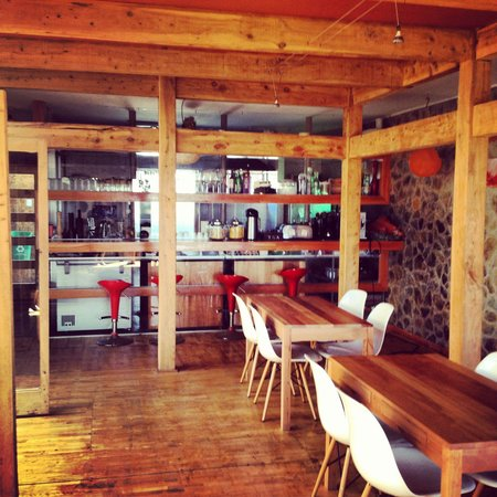 Natural Surf Lodge: Dining area