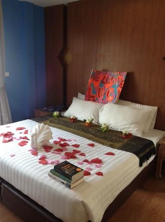 Korbua House: a suprise bed makeover