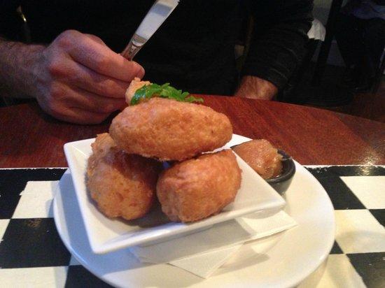 Nor'Wester Cafe : Parmesan dumplings with quince paste
