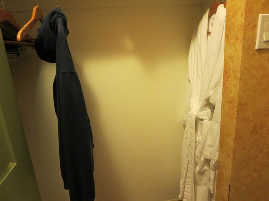 Sunset Inn and Suites: plenty of closet space