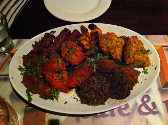 AAJ India Cafe & Restaurant: Mix platter 35 dollars