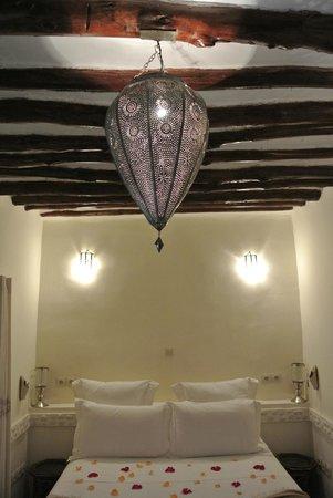 Dar Rocmarra: attention to detail in bedroom
