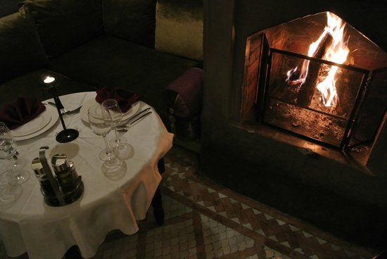 Dar Rocmarra: cosy evening dining