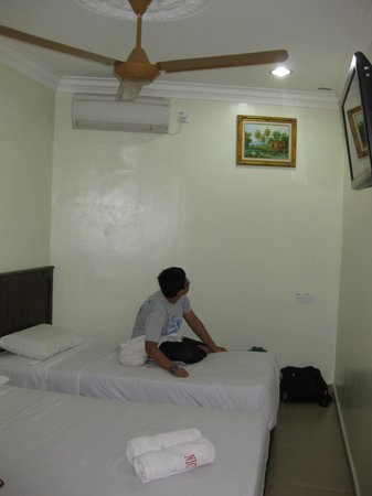 Hotel Nice Stay: family room - RM108 per nite