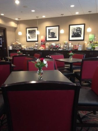 Hampton Inn Tuscaloosa-University : breakfast eating area