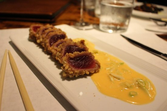 Kauai Grill: rice cracker crusted tuna
