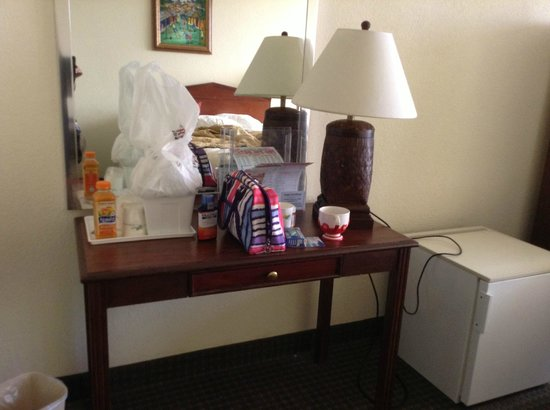 Holiday Inn Miami West - Hialeah Gardens: This is the fridge only space