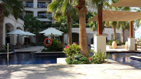 The St. Regis Saadiyat Island Resort : Pool area